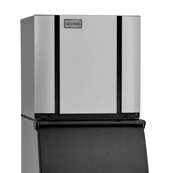 """ICE-O-Matic CIM0320HW 22.25"""" Half-Dice Ice Maker, Cube-Style - 300-400 lb/24 Hr Ice Production, Water-Cooled, 115 Volts"""