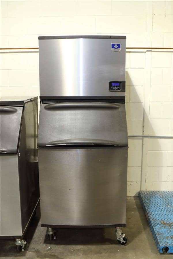 """Manitowoc Manitowoc IYT0450W 30"""" Half-Dice Ice Maker, Cube-Style - 400-500 lbs/24 Hr Ice Production, Water-Cooled, 115 Volts"""